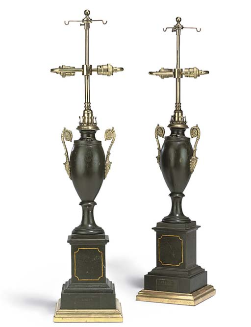 A PAIR OF FRENCH TOLE PEINTE TABLE LAMPS