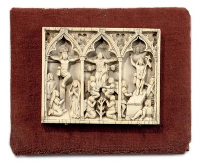 A PHILLIPINO CARVED IVORY TRIP