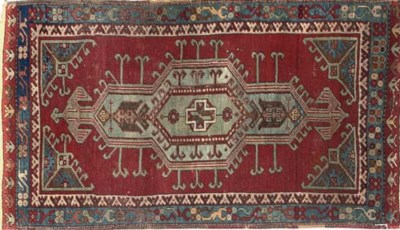 AN ANTIQUE YASTIK MAT