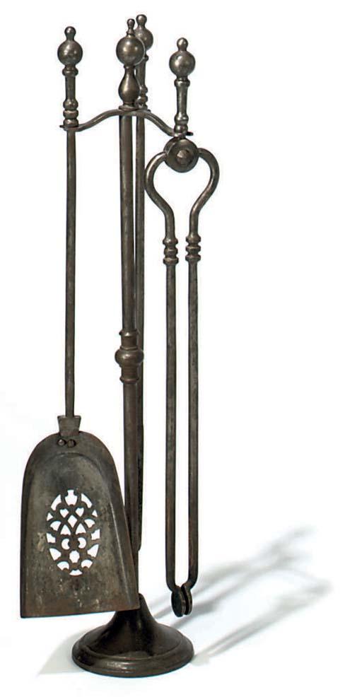 A SET OF THREE EDWARDIAN STEEL
