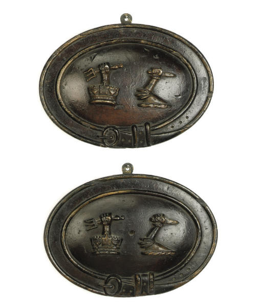 A PAIR OF ENGLISH GILT-HEIGHTE