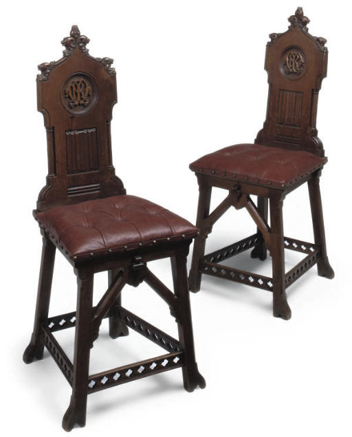 A PAIR OF VICTORIAN CARVED WAL