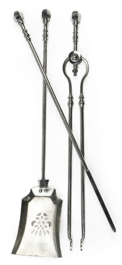 A SET OF THREE VICTORIAN STEEL
