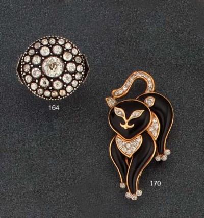 AN ONYX AND DIAMOND NOVELTY BR