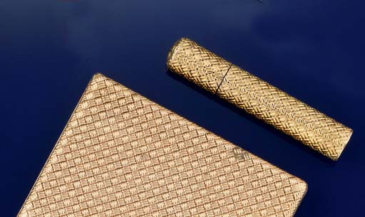 A COMPACT BY BOUCHERON AND A S