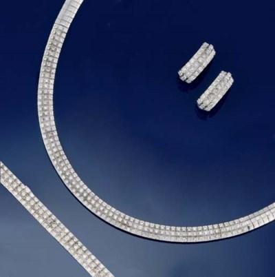 A diamond necklace, bracelet a
