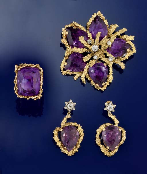 A SMALL GROUP OF AMETHYST AND