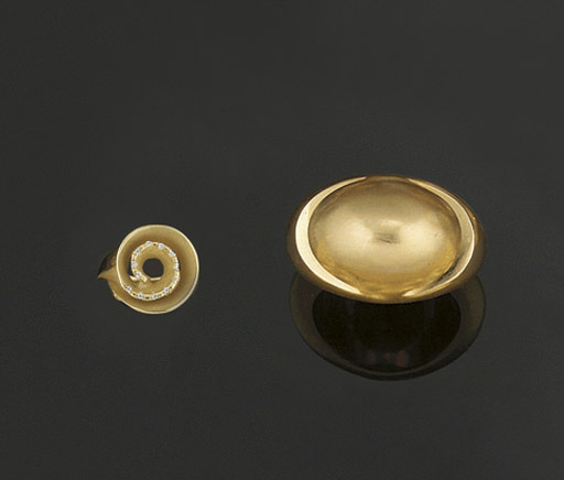 A RING, BY BULGARI AND AN 18CT