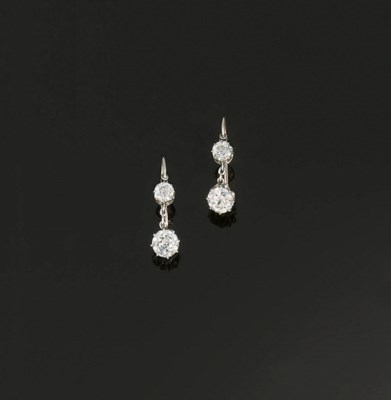 A PAIR OF DIAMOND TWO STONE EA