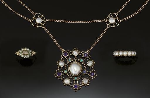 An Arts & Crafts gemstone neck