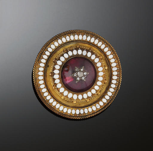 A Victorian gold, garnet and d