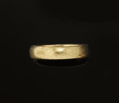 A 19TH CENTURY GOLD POSY RING