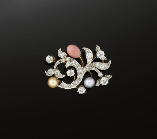 AN EARLY 20TH CENTURY DIAMOND,