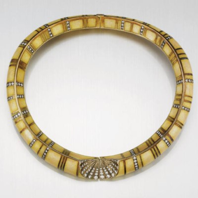 A DIAMOND AND ENAMEL NECKLACE,