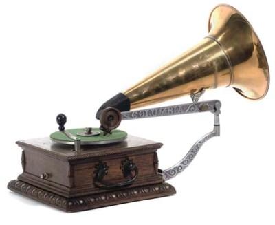 A Type AJ Disc Graphophone