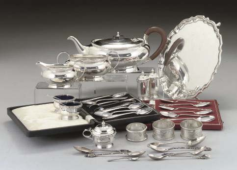 A MIXED QUANTITY OF SILVER
