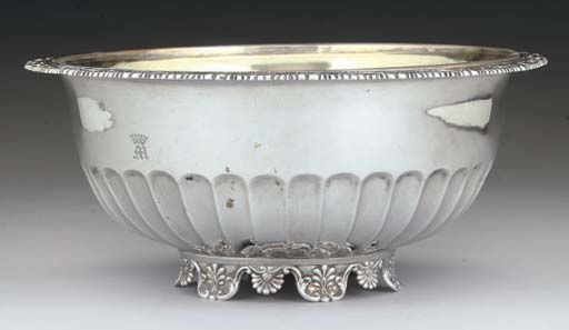 AN EARLY 19TH CENTURY GERMAN SILVER BOWL,