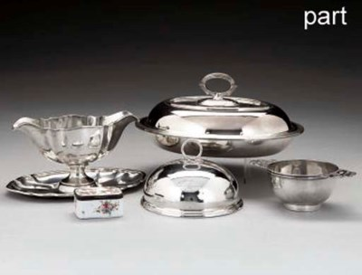 A COLLECTION OF VARIOUS SILVER