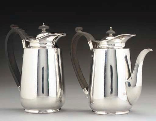 A PAIR OF EDWARDIAN SILVER CAF