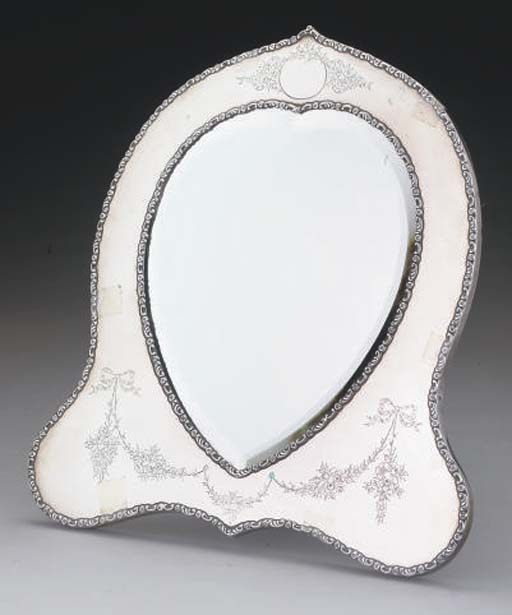 AN EDWARDIAN SILVER-MOUNTED DR