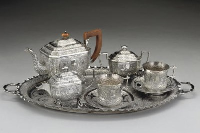 AN INDIAN METALWARE 3-PIECE TE
