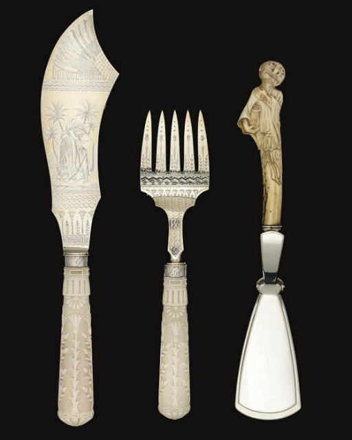 A PAIR OF VICTORIAN IVORY-HAND