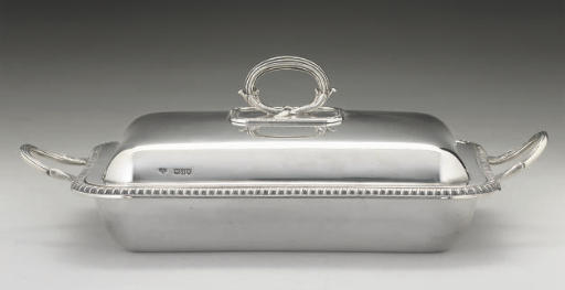 A LATE VICTORIAN SILVER ENTREE