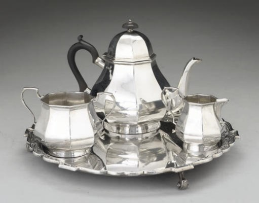 A THREE-PIECE SILVER TEA SERVI