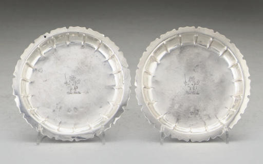 A PAIR OF IRISH SILVER COUNTER TRAYS