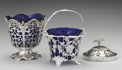 A Victorian silver swing-handl