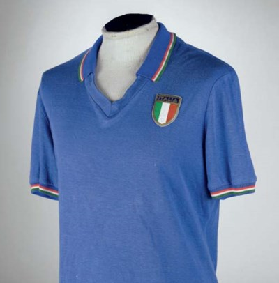 A BLUE ITALY 1982 WORLD CUP SH
