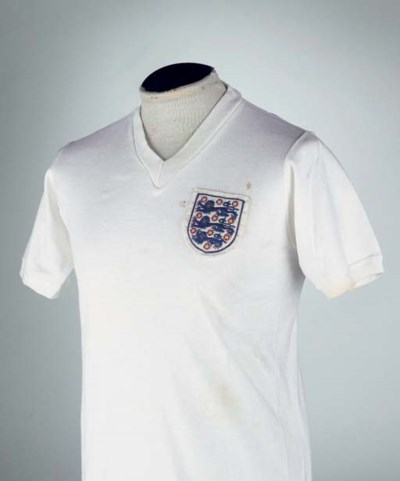 A WHITE ENGLAND SHORT-SLEEVED