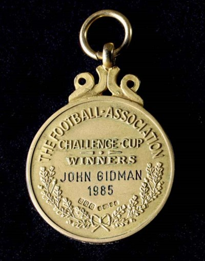 A 9CT GOLD 1984-85 F.A. CUP WI