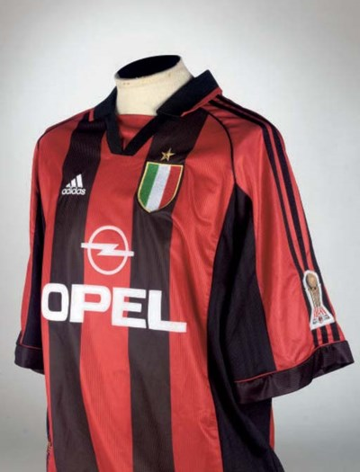 A RED AND BLACK A C MILAN SHOR