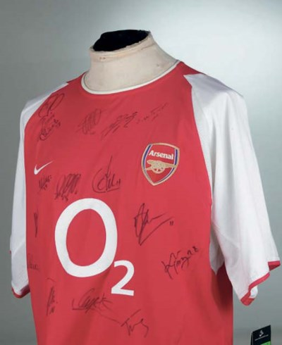 A SIGNED REPLICA RED ARSENAL S
