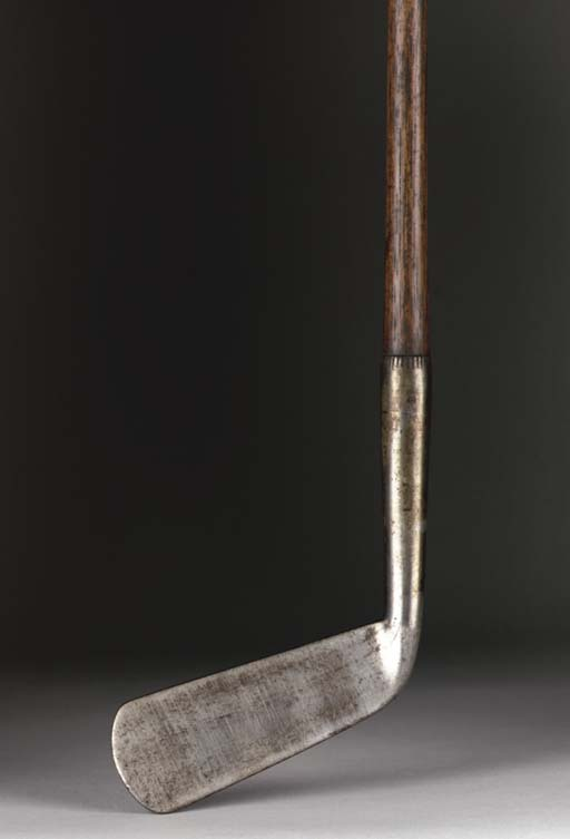 A SMOOTH-FACED PUTTER