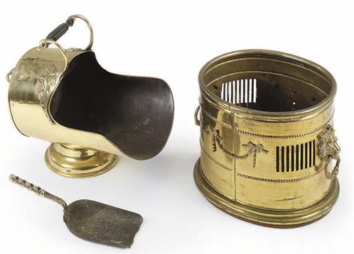 AN EDWARDIAN BRASS COAL-BUCKET