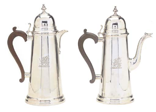 A PAIR OF 18TH CENTURY STYLE S