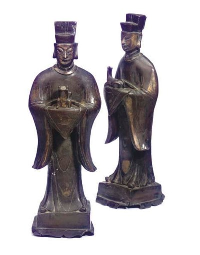 A PAIR OF CHINESE BRONZE FIGUR