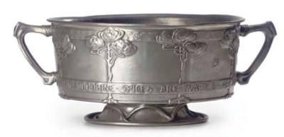 A TUDRIC PEWTER ROSE BOWL, DES