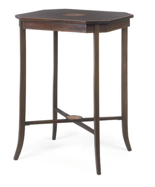 AN EDWARDIAN MAHOGANY AND INLAID OCCASIONAL TABLE