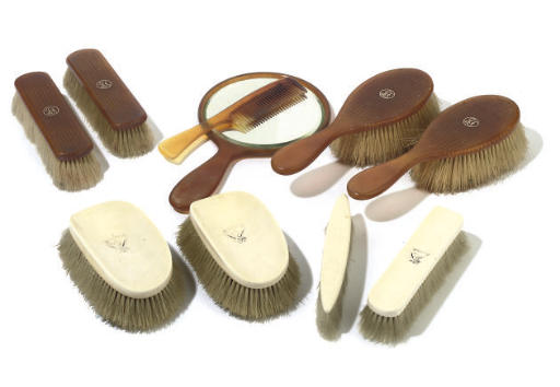 A GROUP OF EIGHT IVORY AND BLO