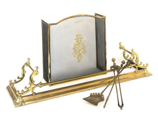 A GROUP OF BRASS HEARTH FURNIT