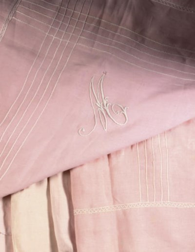 PRINCESS MARY'S BED LINEN A GR