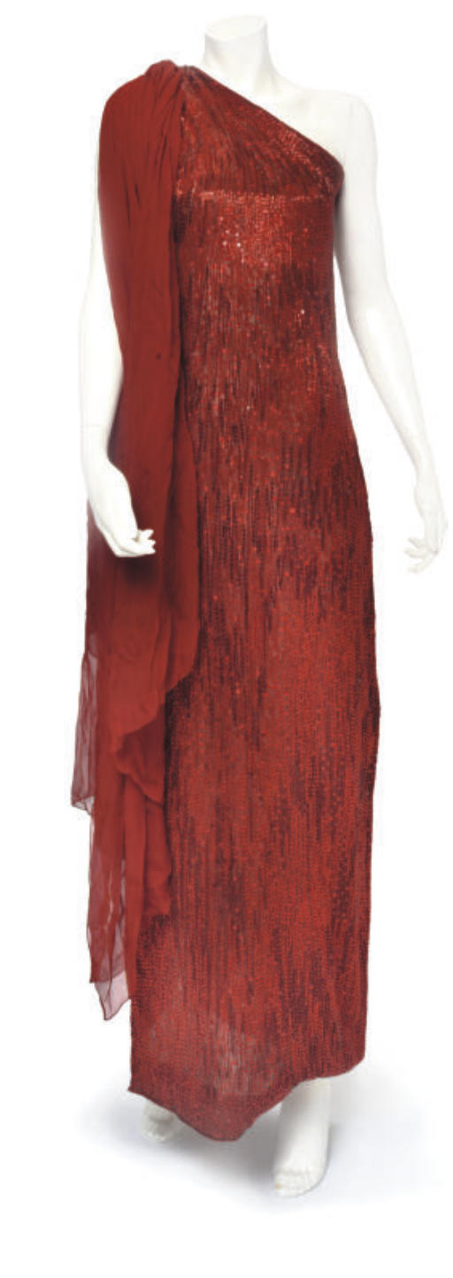 HALSTON COUTURE, A DRAAMTIC RE