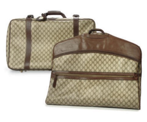 GUCCI SUITCASE AND SUIT CARRIE
