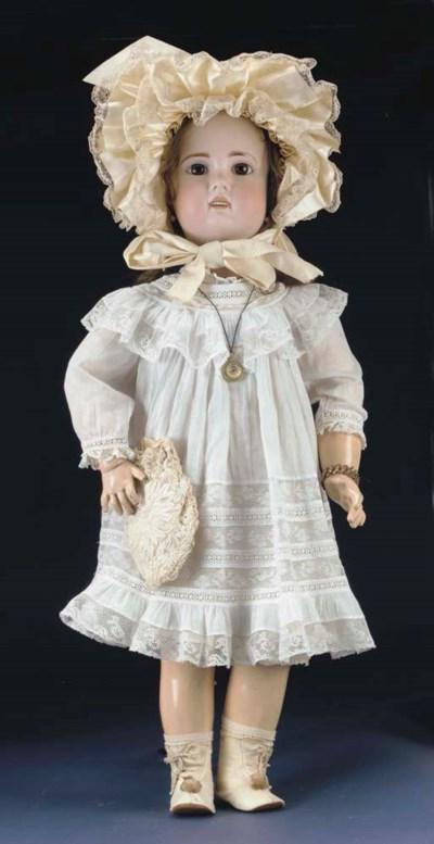 A large 1907 Jumeau bébé