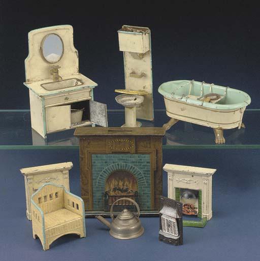 A German tinplate bathroom set