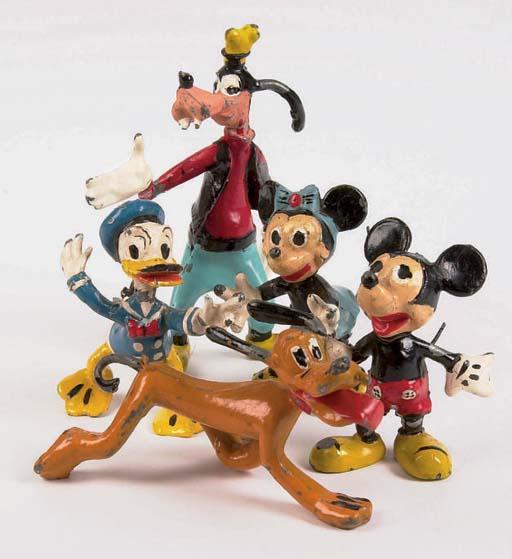 A rare Sacul Disney Character Set