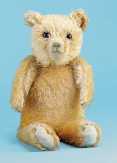 A British teddy bear pyjama ca
